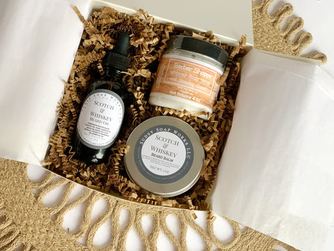 Groomsman gift boxes that are perfect for your the guys who are standing up there with you on your big day!