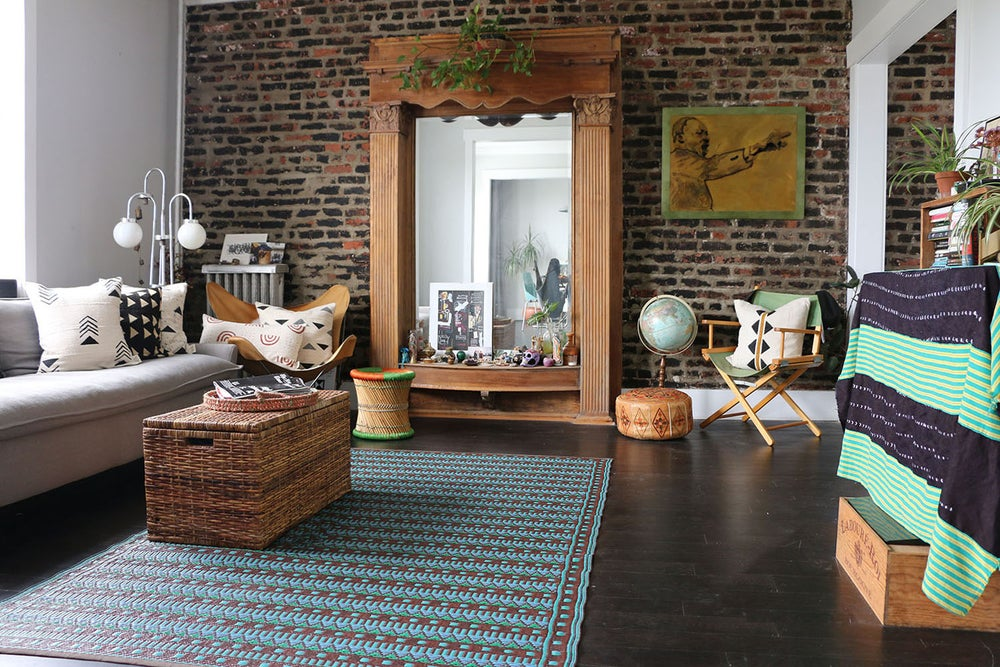 Black interior designer, Washington DC and Baltimore. Eclectic and original home decor with a focus on smart living.
