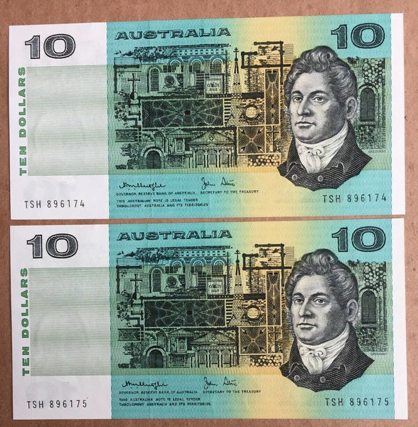 R307a Australia $10 Banknote Knight/Stone Gothic Centre Fold Uncirculated Pair