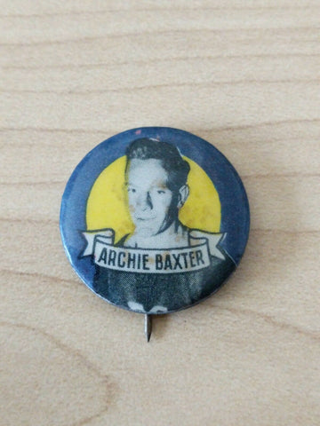 1950 Argus Tin Football Badge Archie Baxter South Melbourne