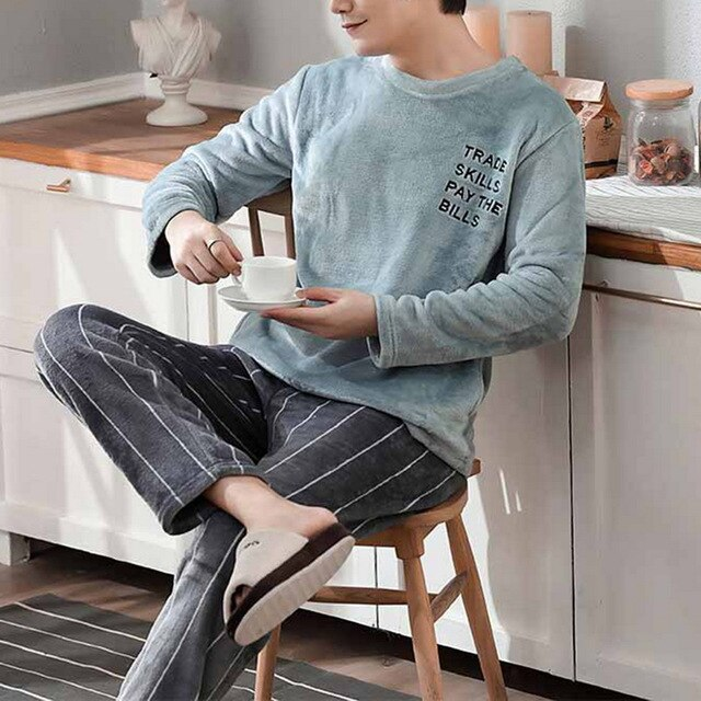 WinterMen Long Sleeve Flannel Pajamas Set Round Neck Footprint Pattern Thick Coral Velvet Sleep Wear Male Warm Pyjamas Set 2020