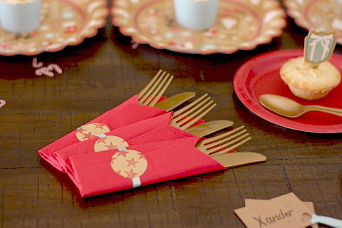 Christmas Party Supplies - red party napkins with golf cutlery