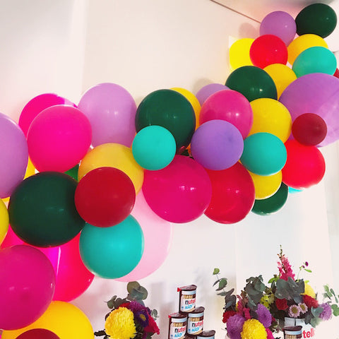 Simple party balloon arch - see the tutorial!