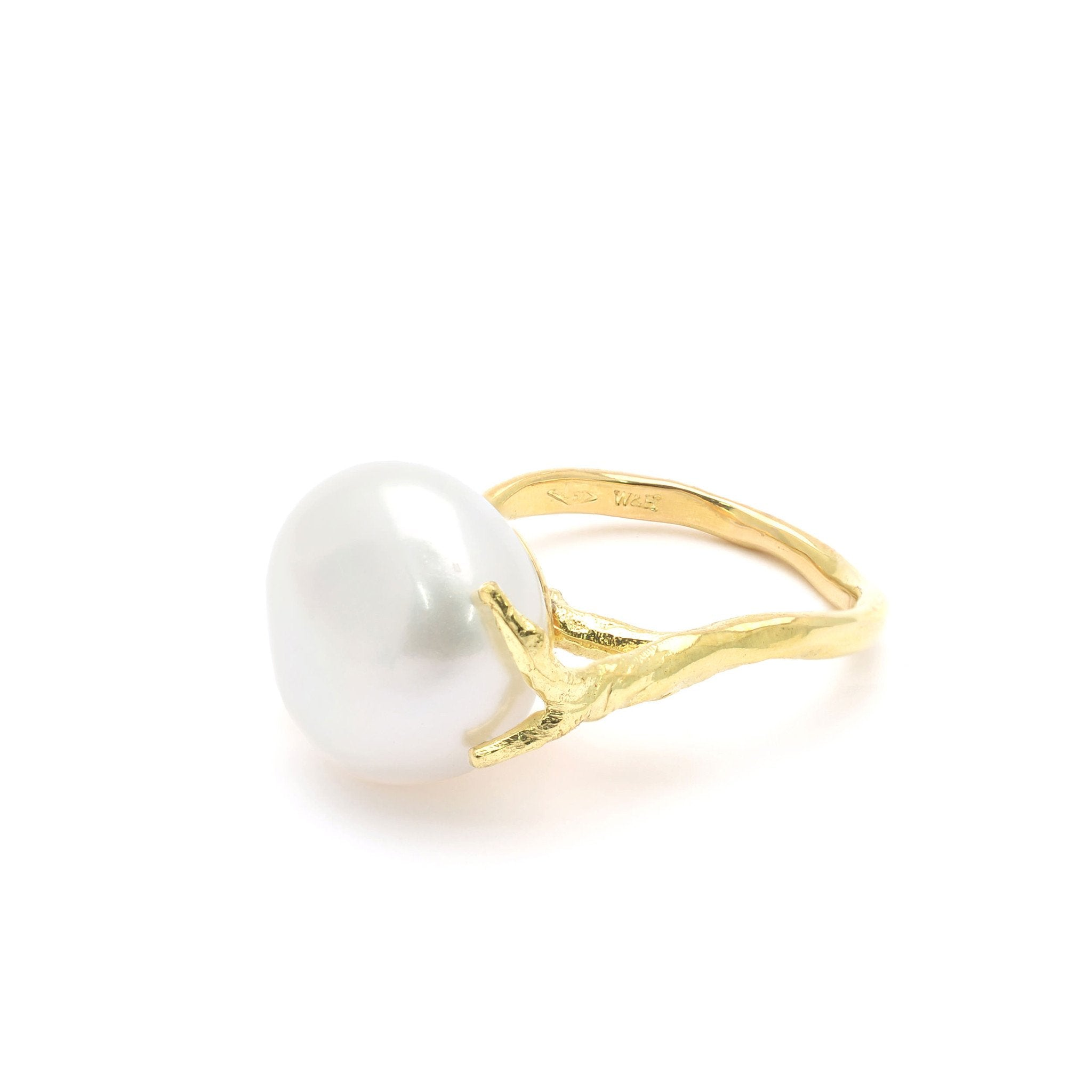 18kt Gold Statement Ring With Freshwater Pearl