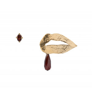 Mixed Earrings With Lips and Garnet