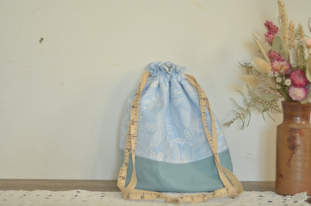 Outlined Flowers Drawstring Bag