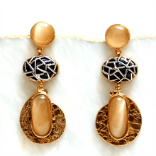 Load image into Gallery viewer, Textured Metallics Ethnic Earrings