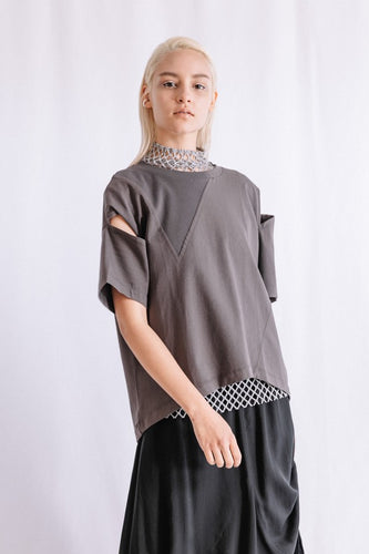 SLIT SLEEVE T-SHIRT