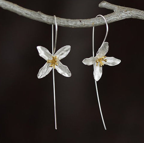 Lily Silver Flower Earrings