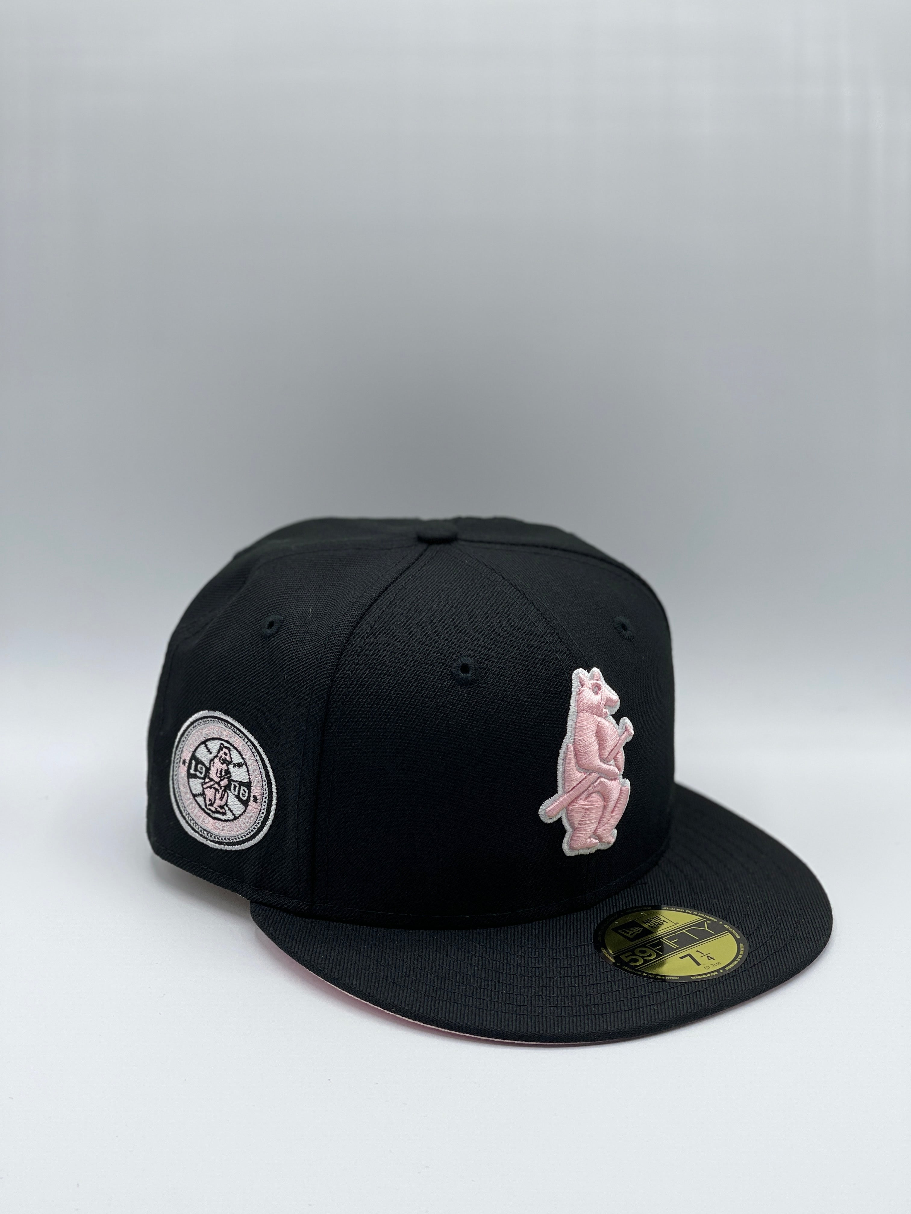 "CHICAGO CUBS x 1908 WS ""PINK BEAR"" NEW ERA 59FIFTY (PINK UV)"