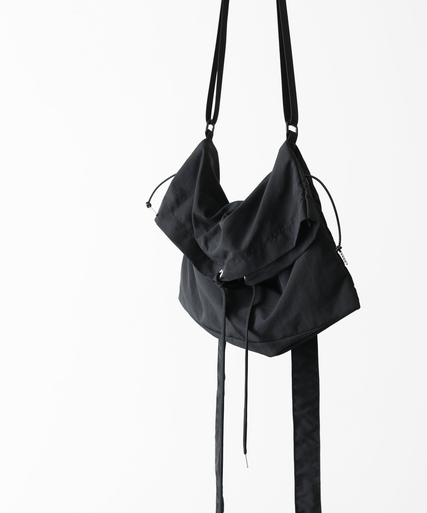 PSEUDOS SHOULDER BAG WITH TIE BLACK session 通販