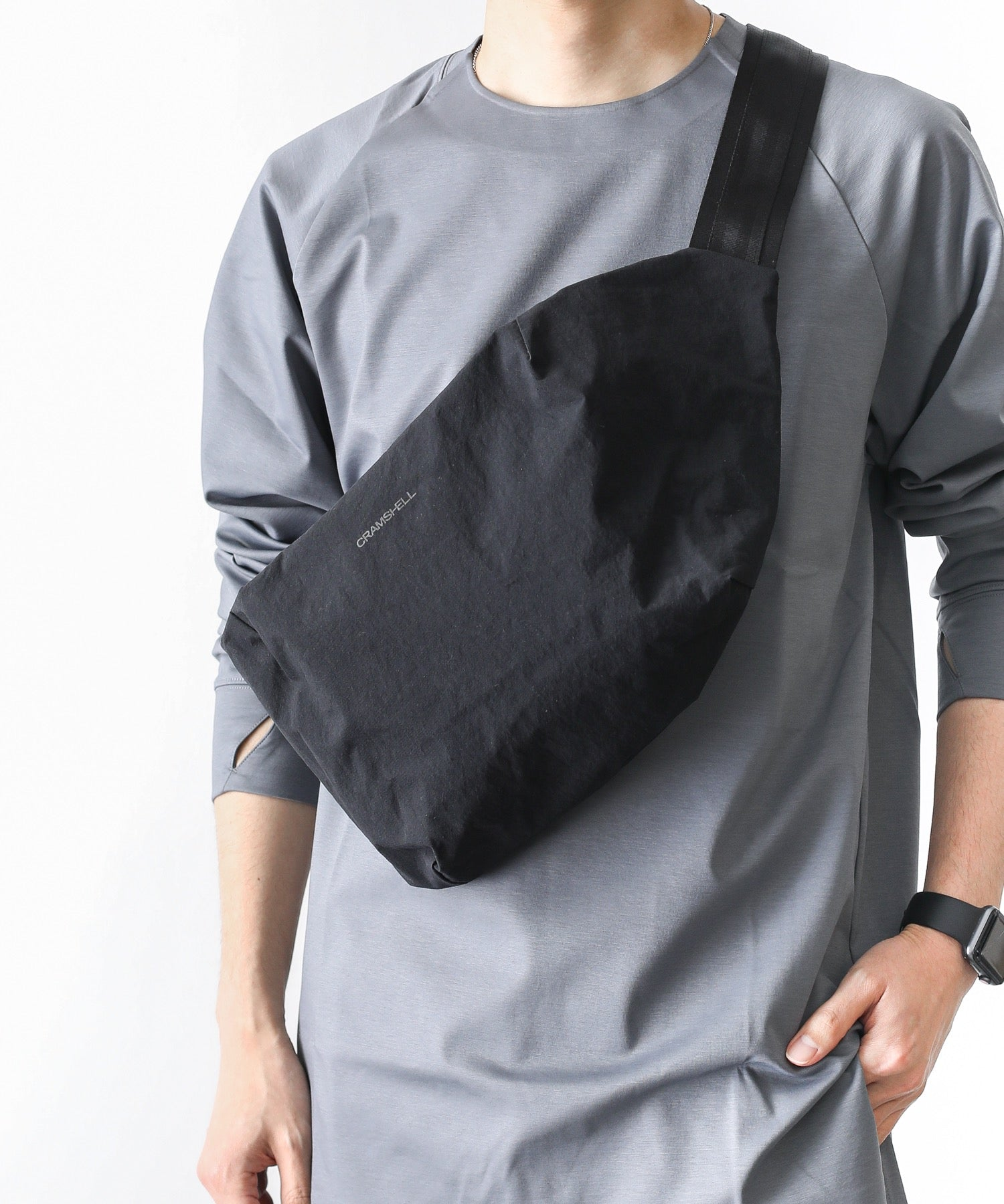 【 SALE / CRAMSHELL 】*SQUARE SLING BAG