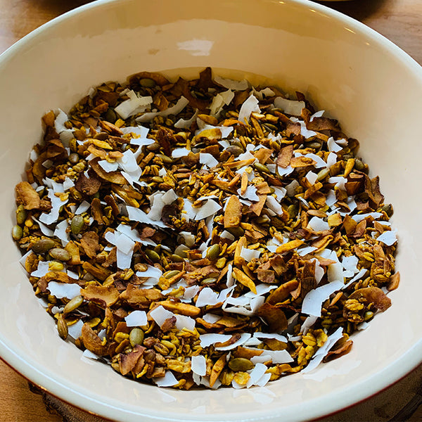 granola with coconut and almonds