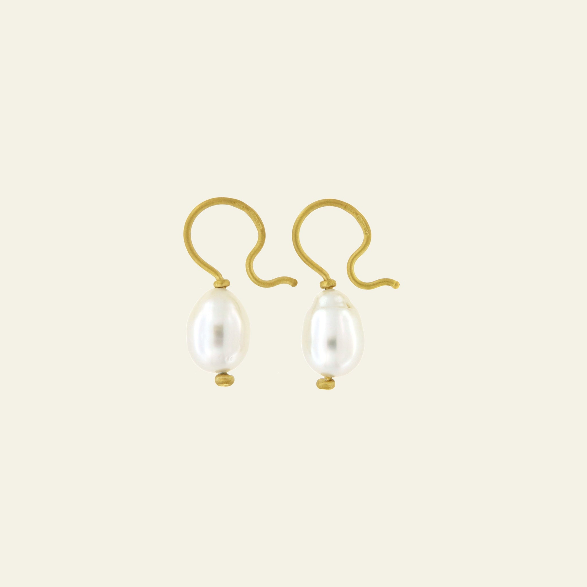 Orecchini Cielo <br /> esemplare N.24 <br /> Perle South Sea <br /> Oro Fairtrade 22k