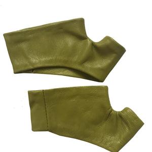 Open image in slideshow, Tail Green Mini Gloves