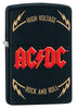 Frontansicht 3/4 Winkel Zippo Feuerzeug AC/DC Cover Black Matte, High Voltage Rock and Roll Logo