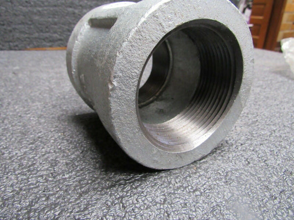 Galvanized Malleable Iron Coupling, 2-1/2