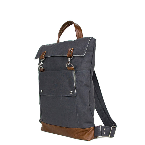 Backpack in Gray/Chestnut