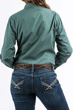 Load image into Gallery viewer, Cinch Women's Hunter Green And Diamond Print Western Shirt