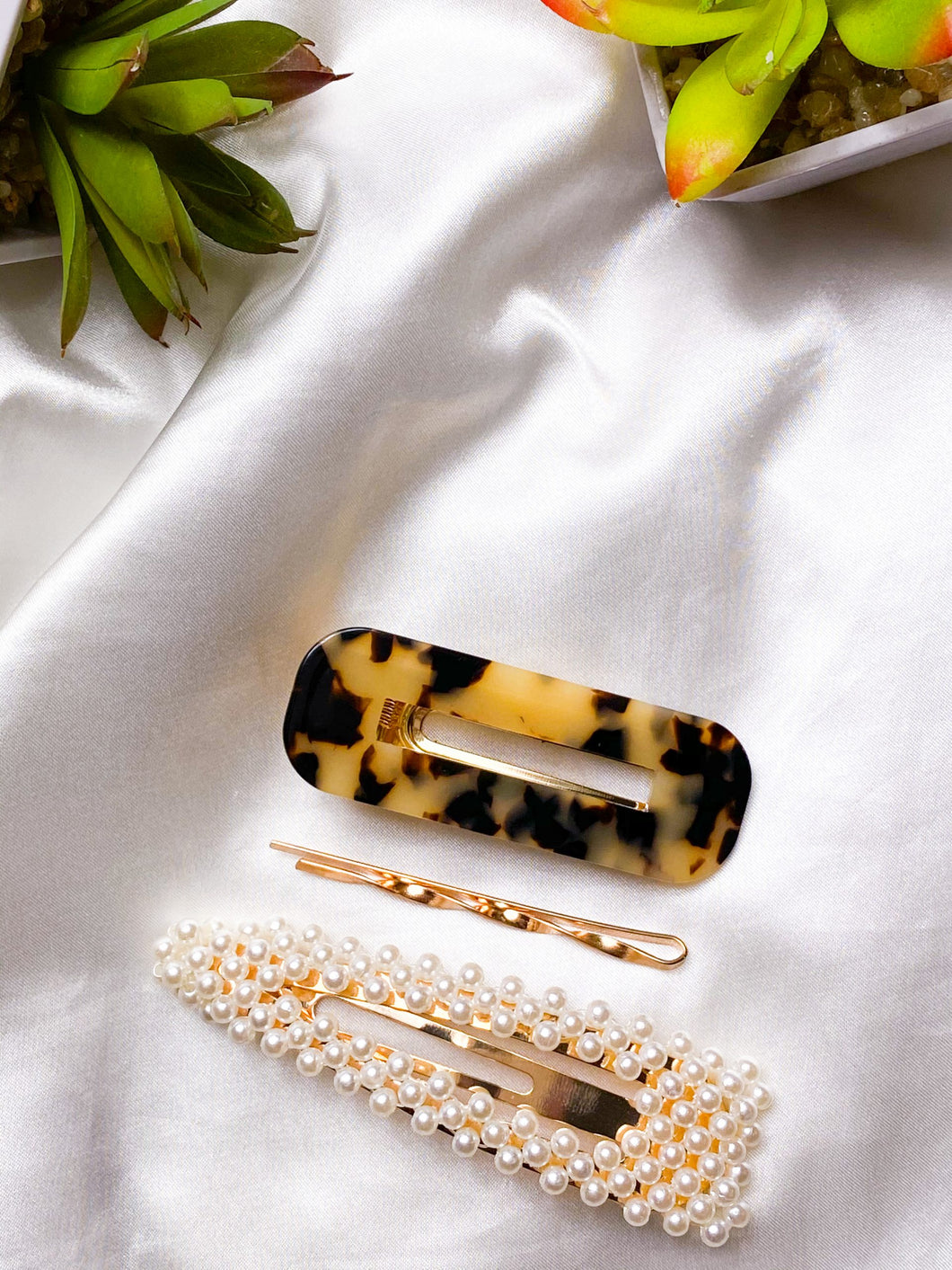 Hair clips Kit with 3 -pearl clip, leopard and gold
