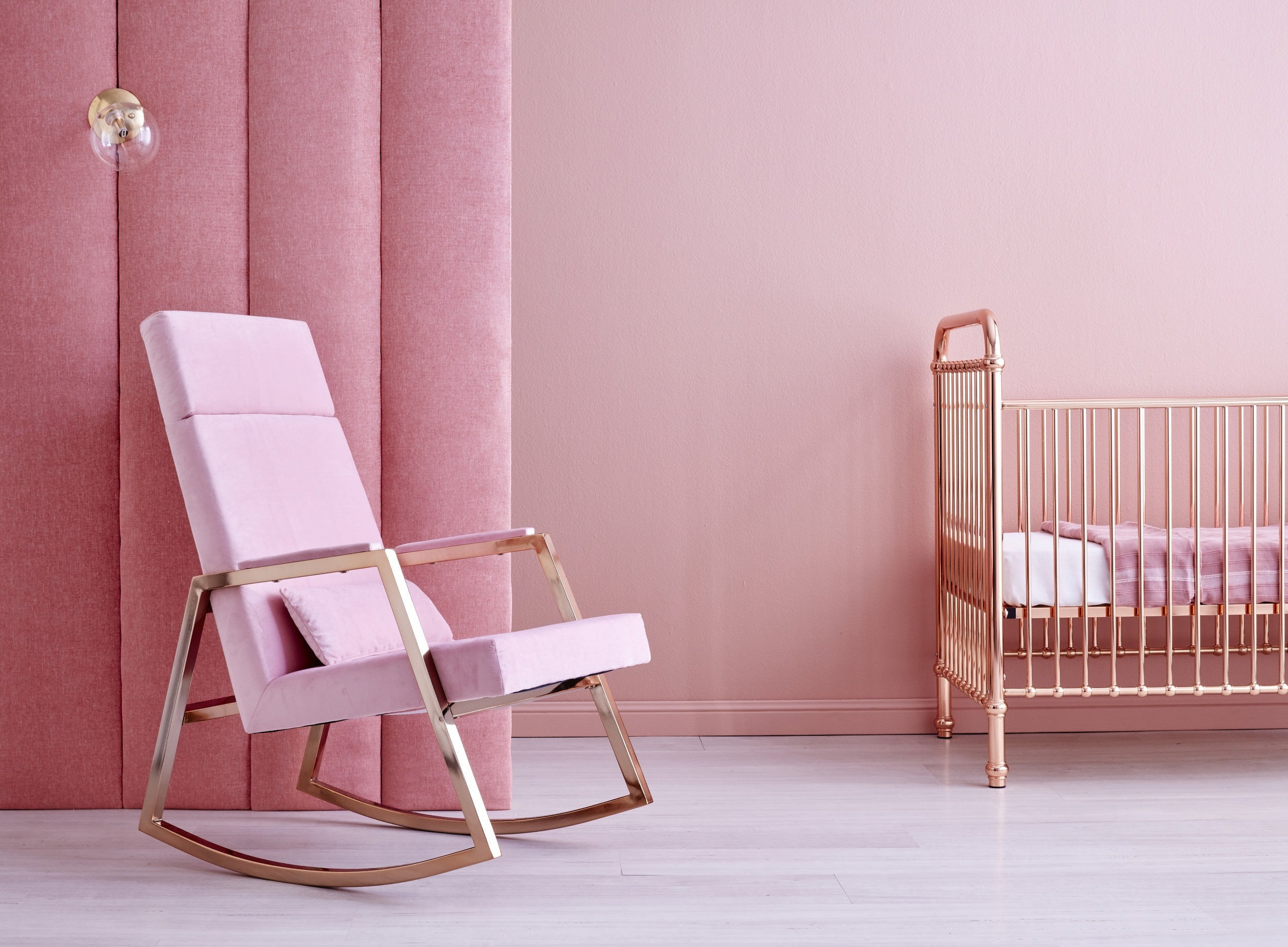INCY X HOBBE ROCKING CHAIR