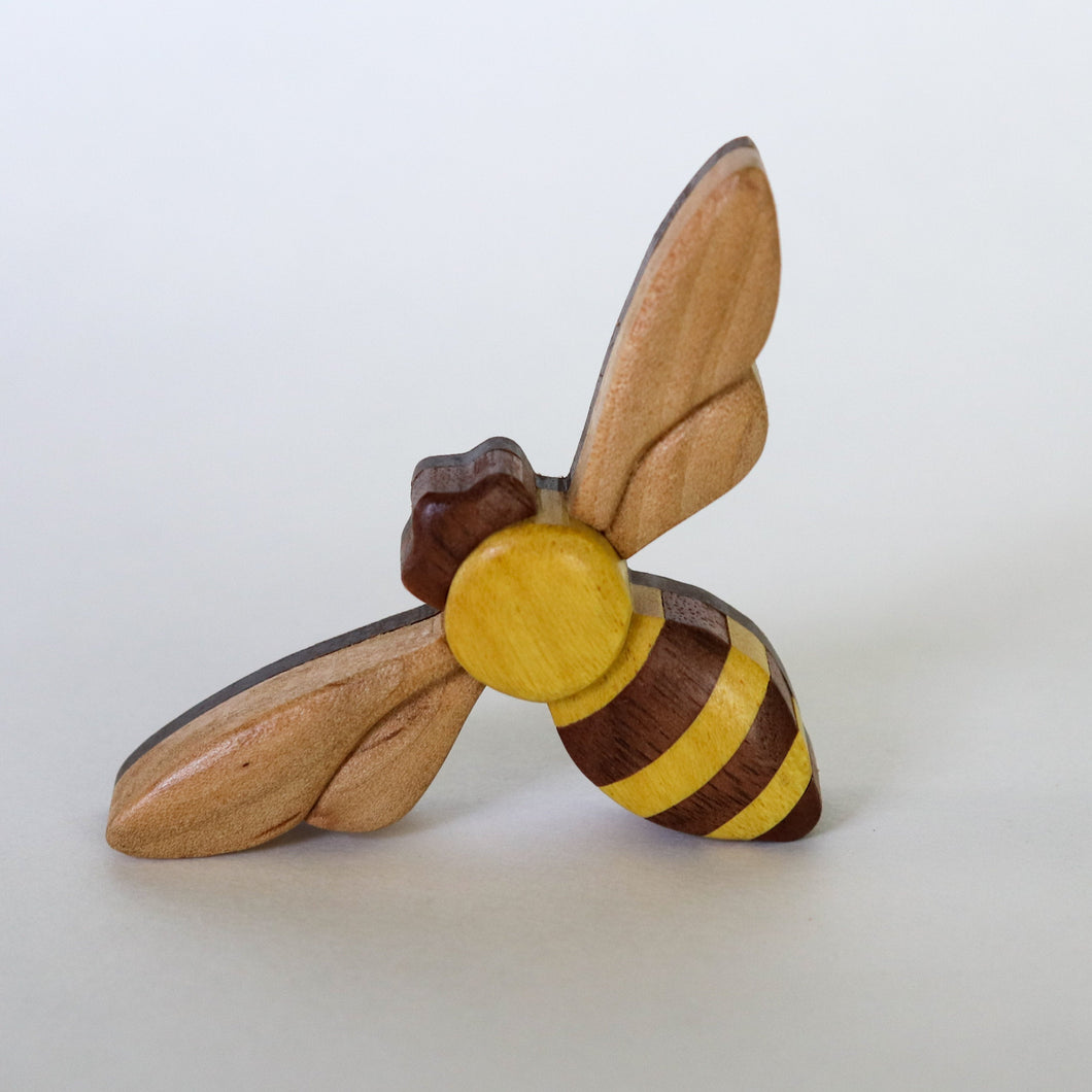 Honey bee Magnet / Ornament