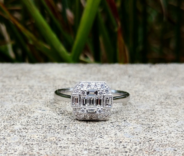 Baguette & Round Diamond Illusion Ring