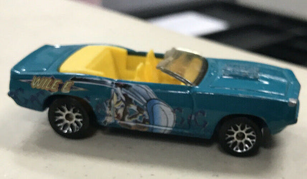 Matchbox 1969 '69 Chevy Camaro SS-396 Convertible Wile E Coyote Looney Tunes Car