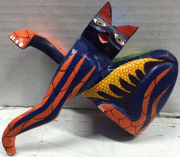 Wood Carving Mexican Folk Art - Oaxacan Alebrije - Cat Sculpture Painting