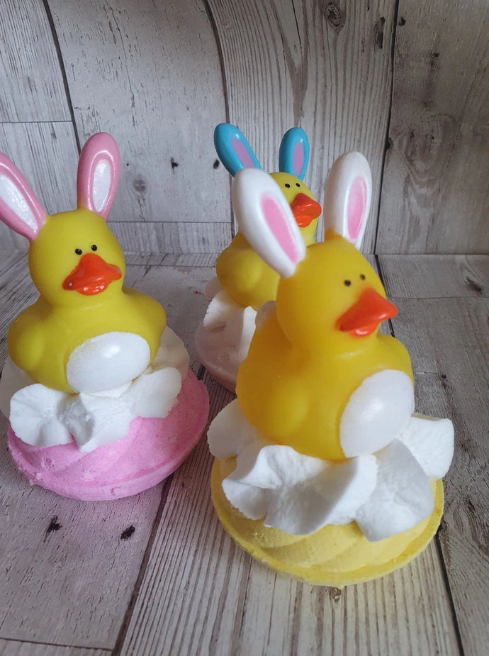 Easter bunny rubber duck bomb