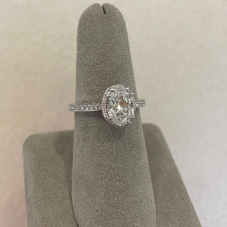 Platinum 1.51ct Oval Diamond Halo Complete Engagement Ring - 012083