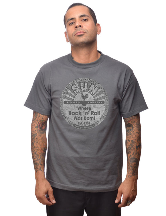 Sun Records Distressed Logo Men's Tee in Charcoal