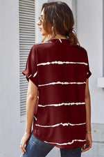 Load image into Gallery viewer, Three Buttons Striped Shirt