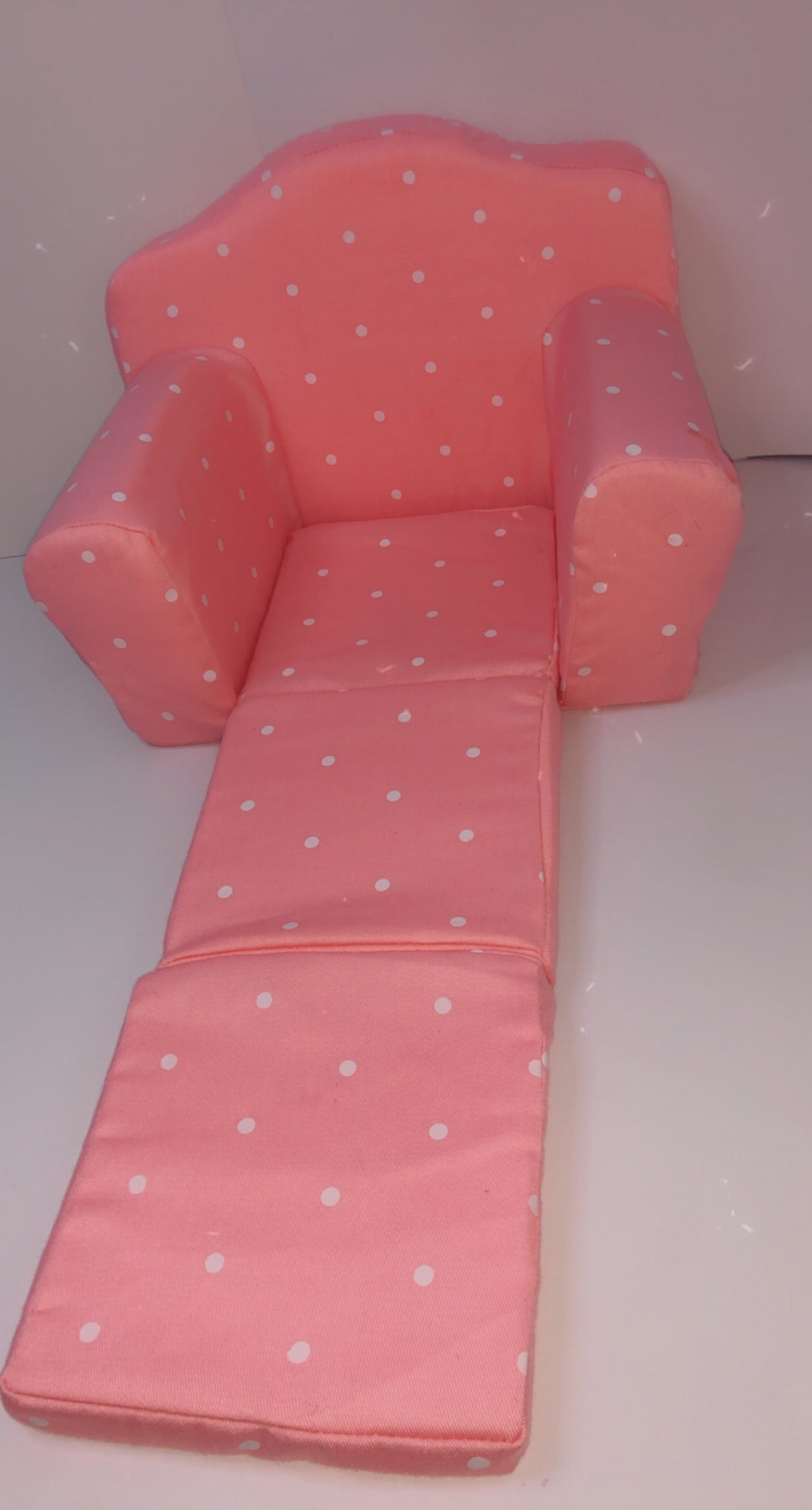 Demi's Pull Out Sofa