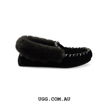 Load image into Gallery viewer, Traditional Moccasins