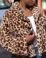 Load image into Gallery viewer, CHEETAH PRINT FLUFFY LONG SLEEVES COAT