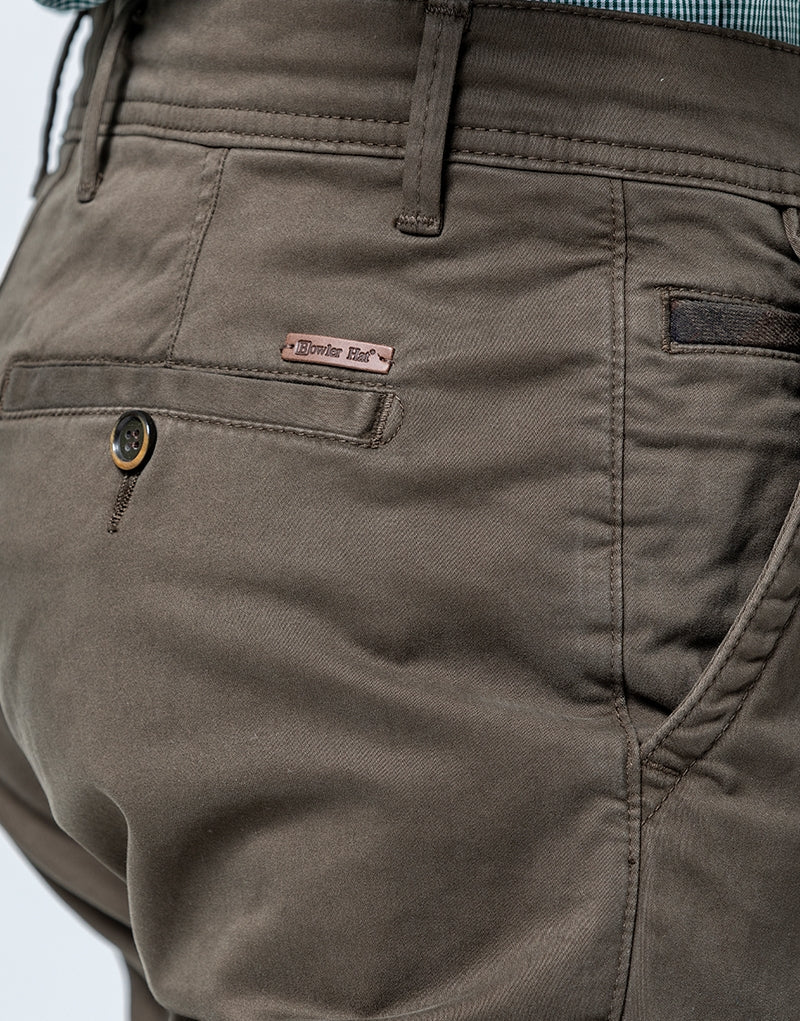 Pantalón chino slim fit verde