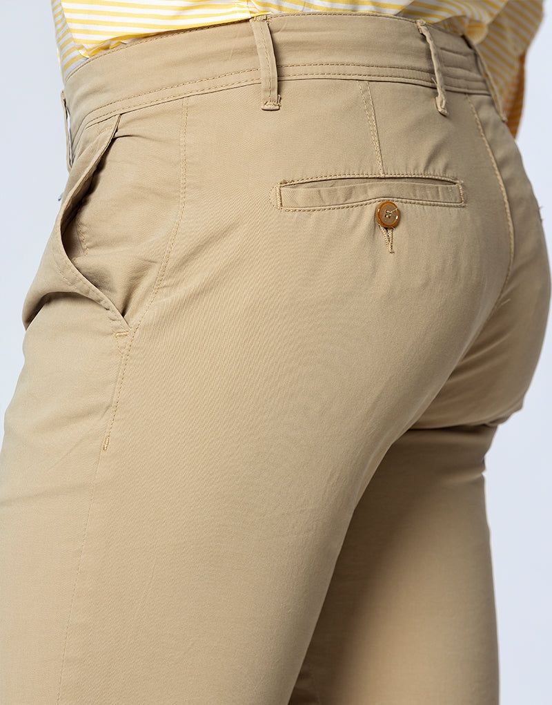 Pantalón chino casual regular beige