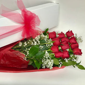 12 Red Roses in Gift Box