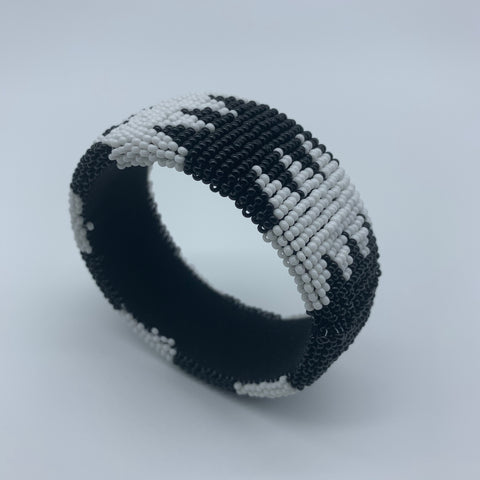 Beaded Bangle- Jumbo Black and White - Lillon Boutique