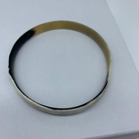 Cow Horn Bangle-S White Variation - Lillon Boutique