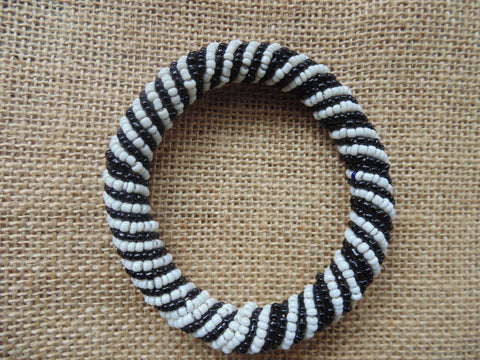 Beaded Bangle-Black and White 3