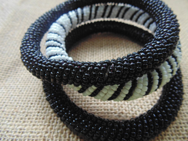 Beaded Bangle-Black - Lillon Boutique