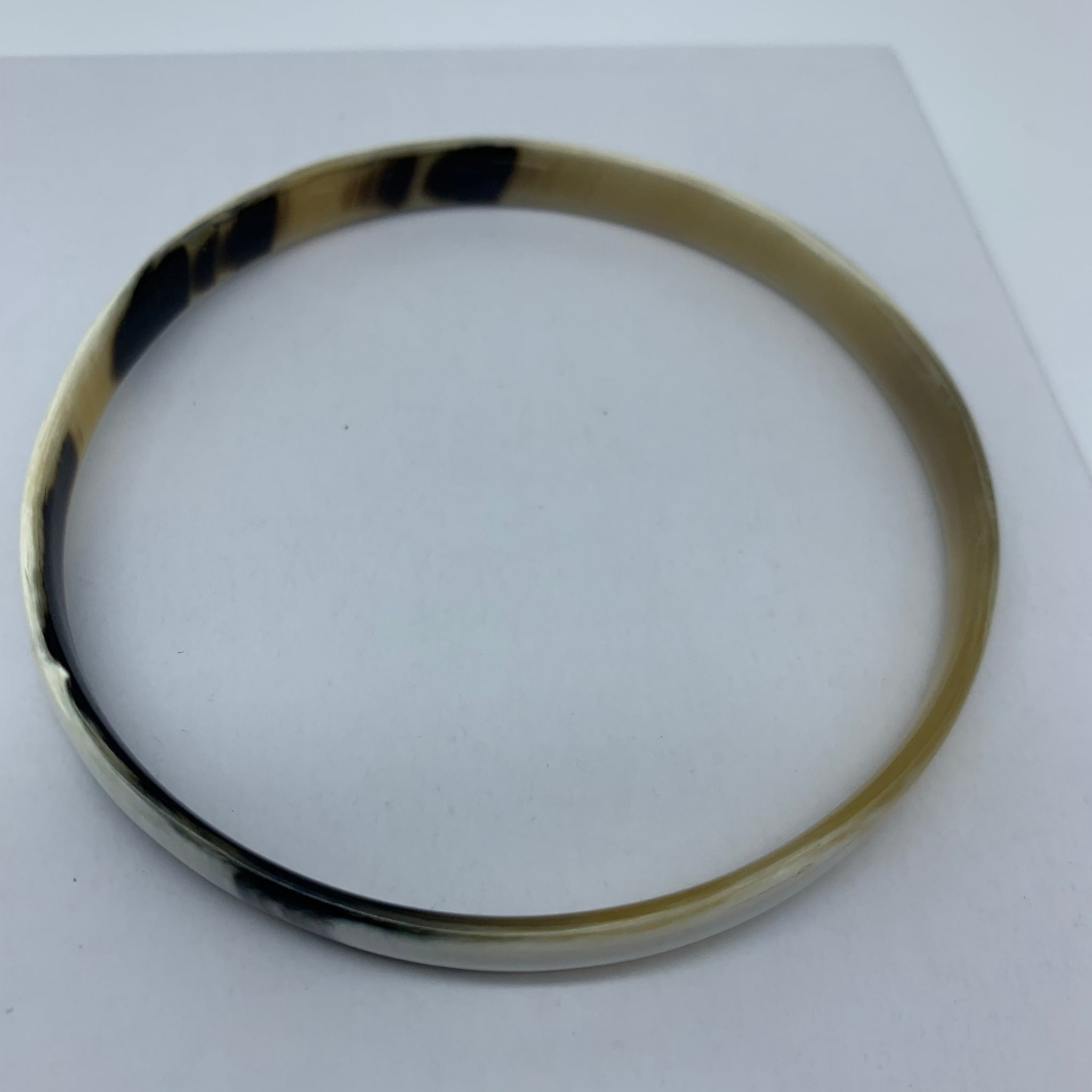 Cow Horn Bangle-S White Variation 2 - Lillon Boutique