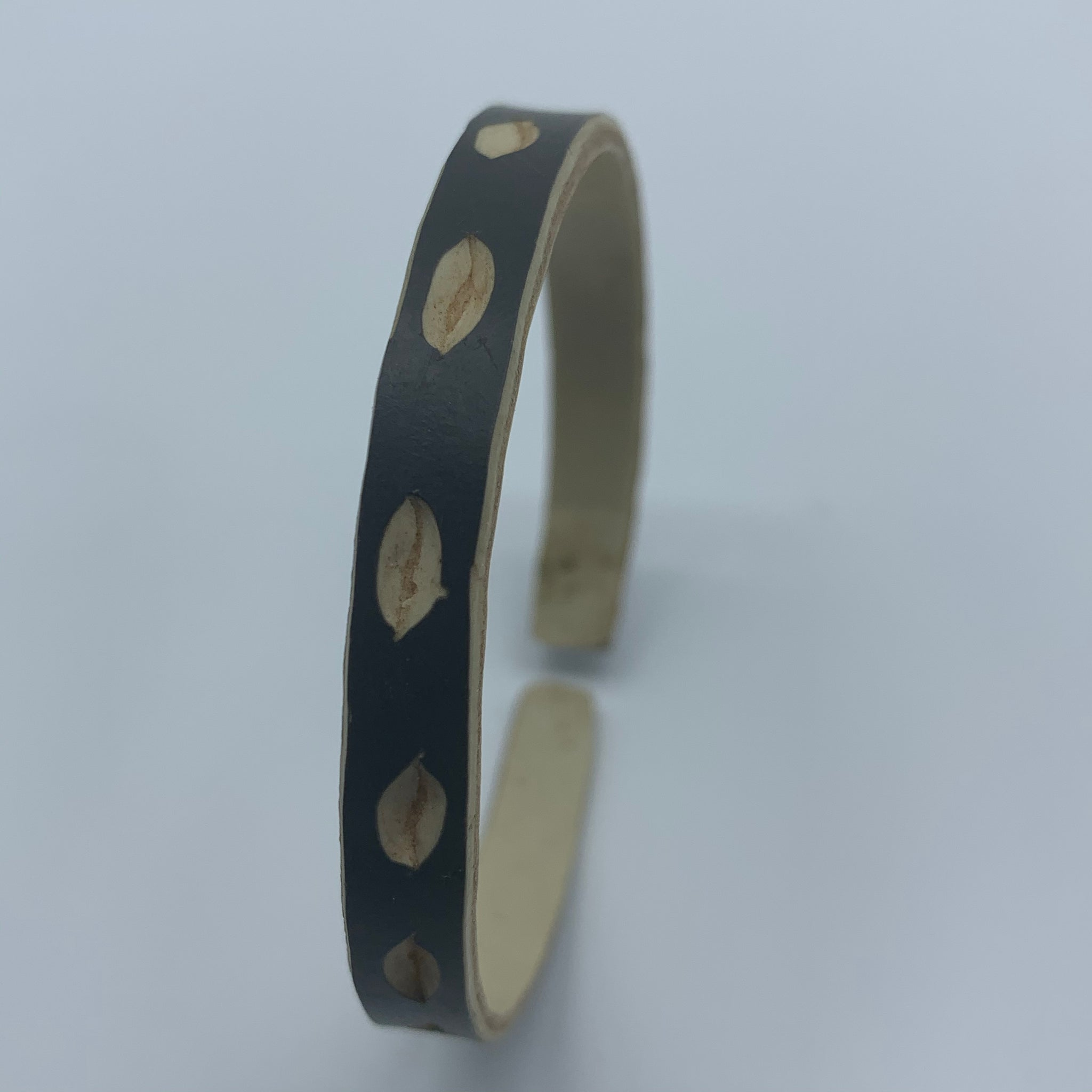 Himba Bangle-XS Leaf Style