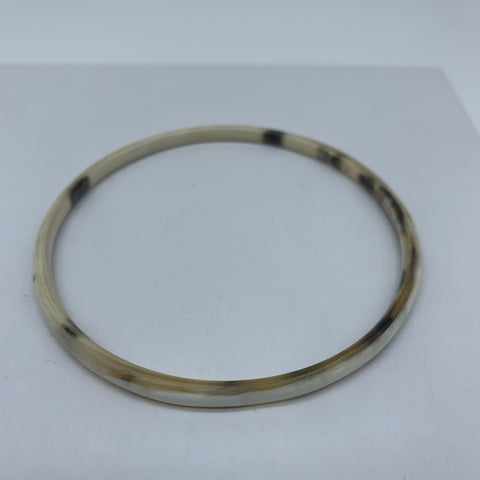 Cow Horn Bangle-XS White Variation - Lillon Boutique