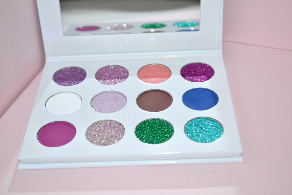 Planet On Fleek Eye Shadow Palette - LOVE2BFLIRTY COSMETICS