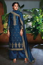 Load image into Gallery viewer, Bemberg Silk Jacquard Kurta with Bemberg Silk Dupatta