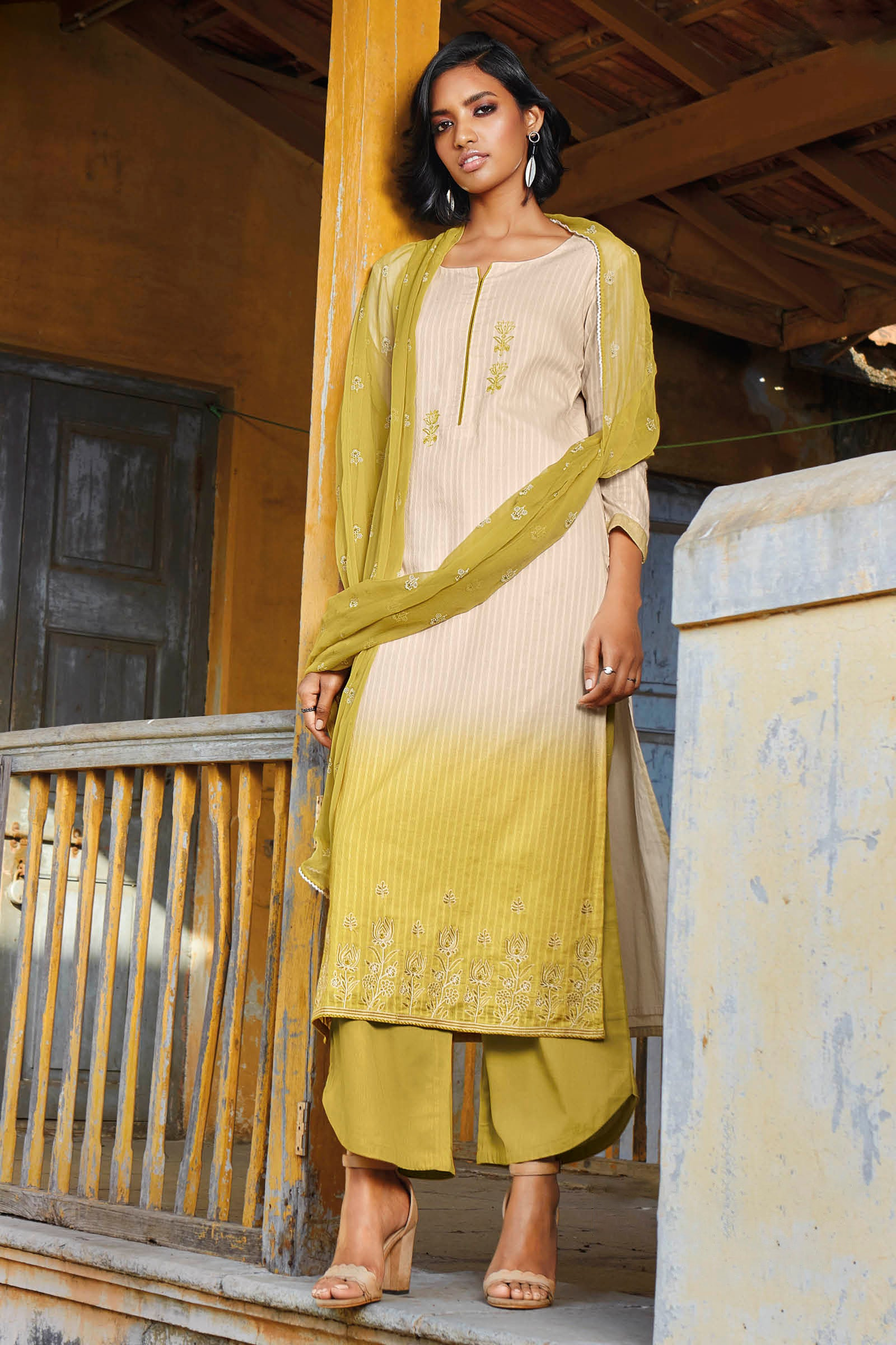 Green Cotton Jacquard Kurta with Bemberg Chiffon Dupatta