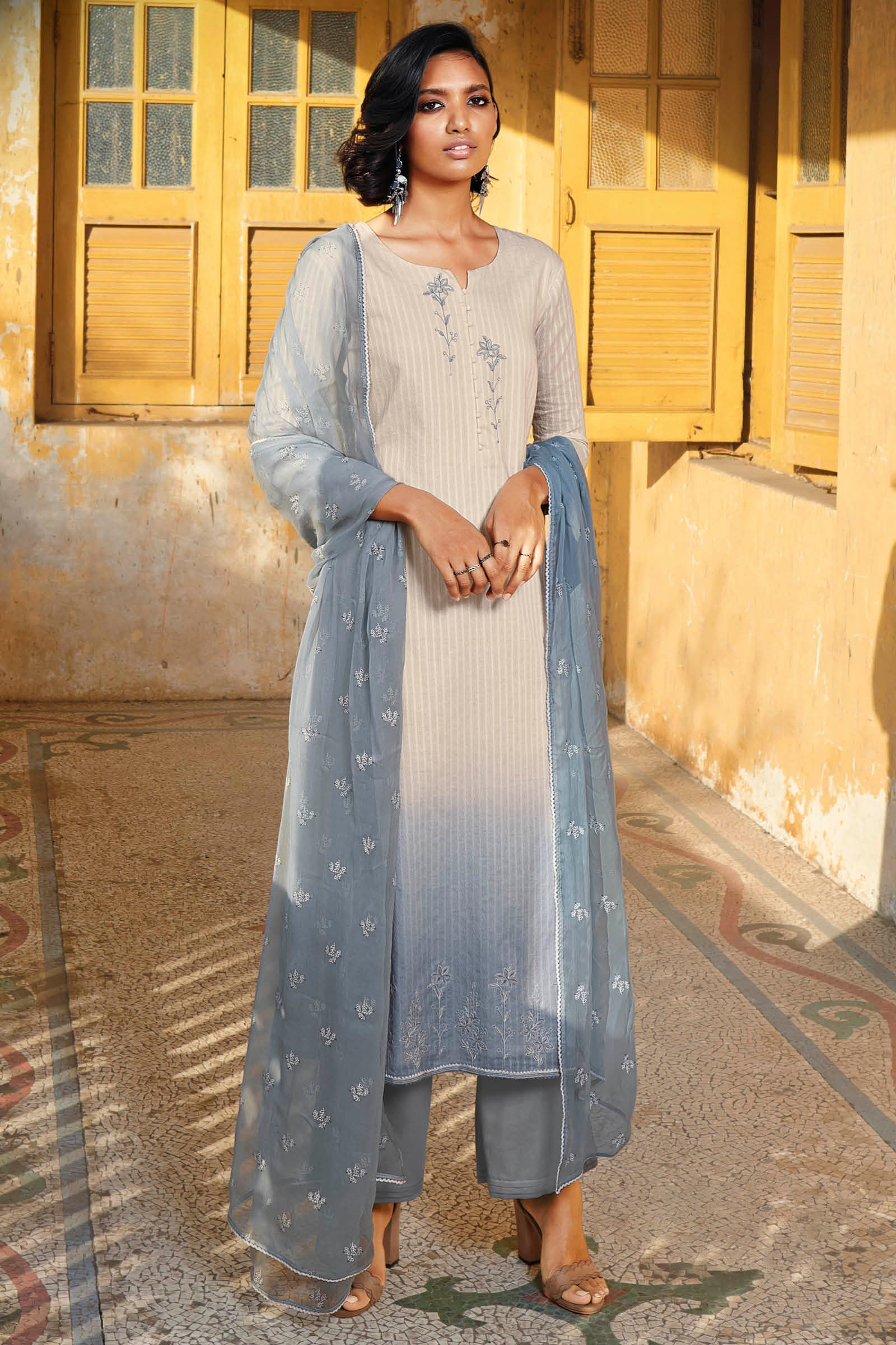Grey Cotton Jacquard Kurta with Bemberg Chiffon Dupatta